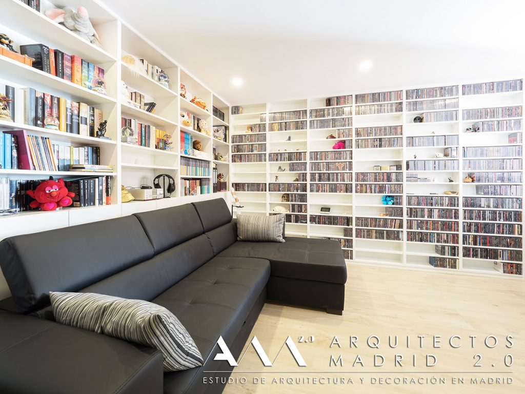 ideas-decoracion-despacho-libreria-estanteria-madera-blanca-reforma-casa-madrid-01