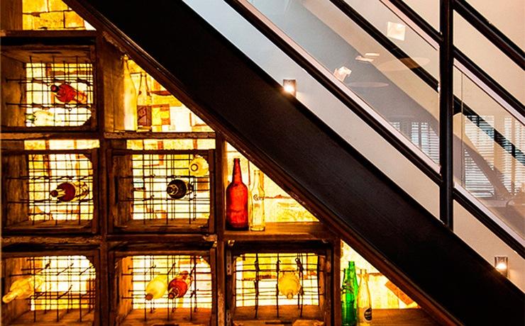 ideas-espacio-bajo-escaleras-botellero-01