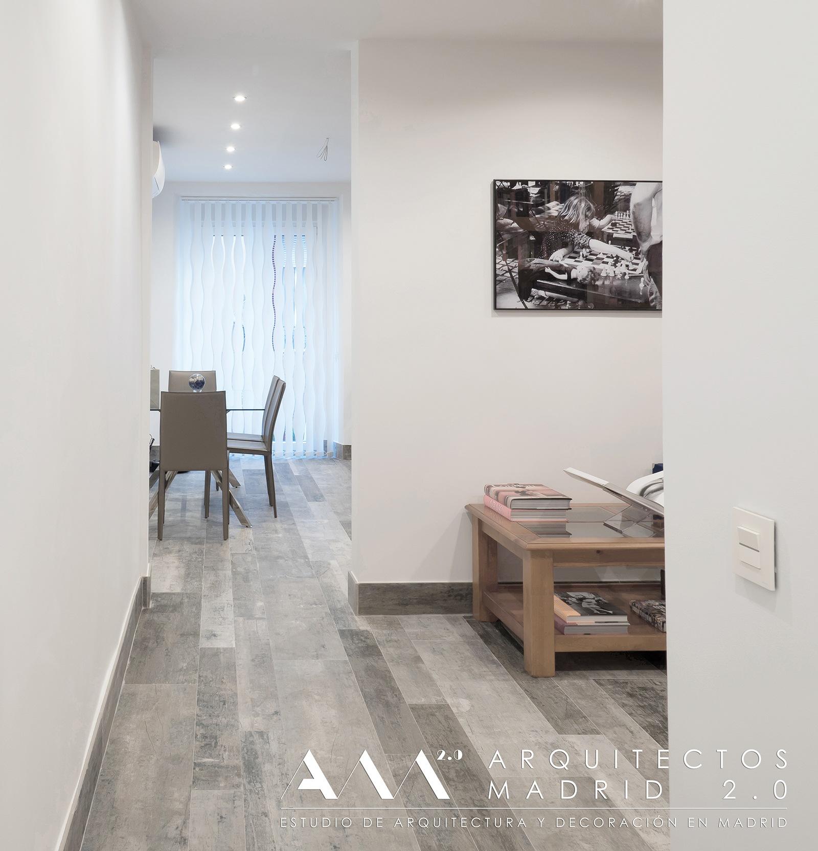 ideas-reformas-pisos-pequenos-viviendas-casas-decoracion-suelos-ceramicos-imitacion-madera-12