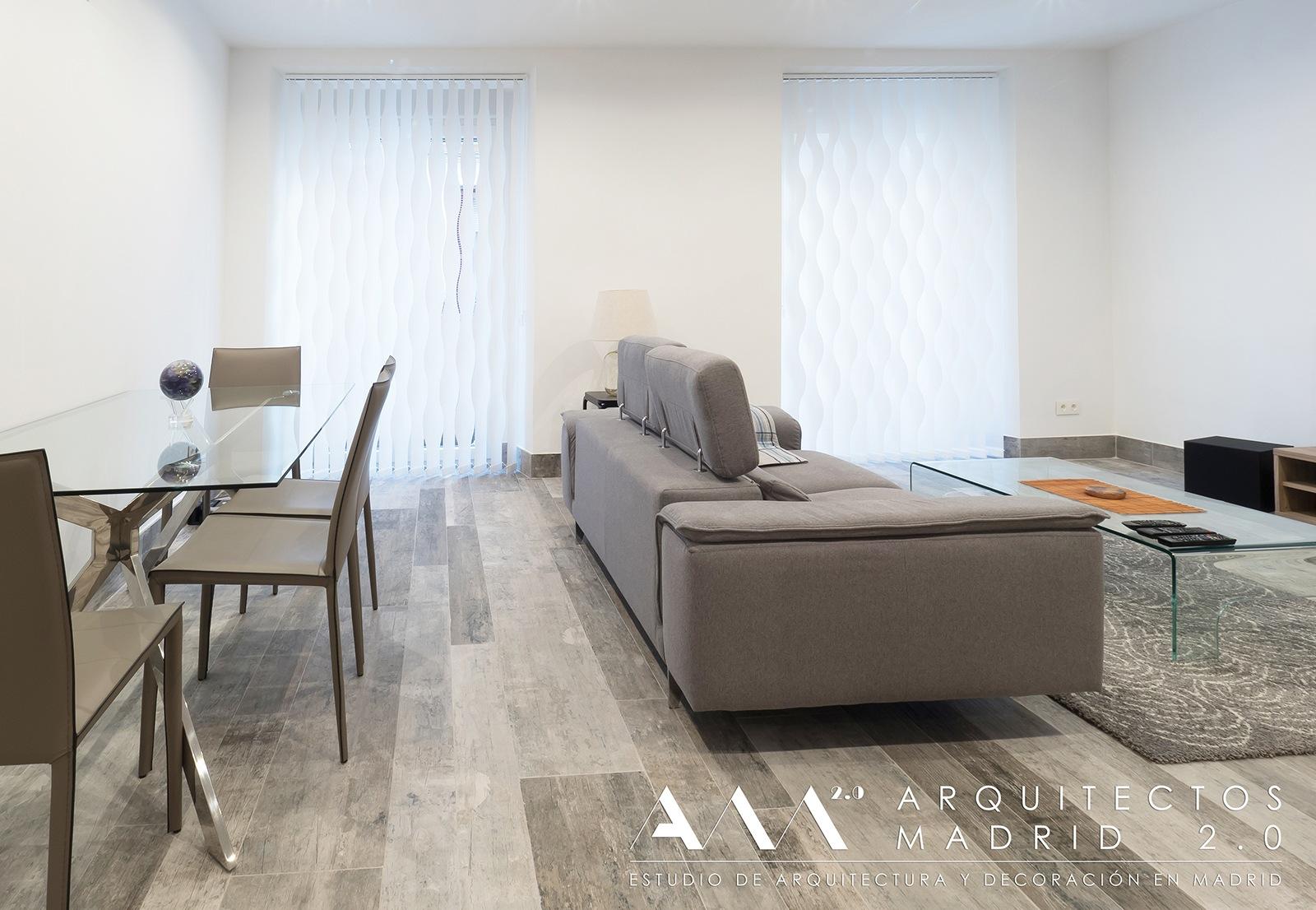 ideas-reformas-pisos-pequenos-viviendas-casas-decoracion-suelos-ceramicos-imitacion-madera-14