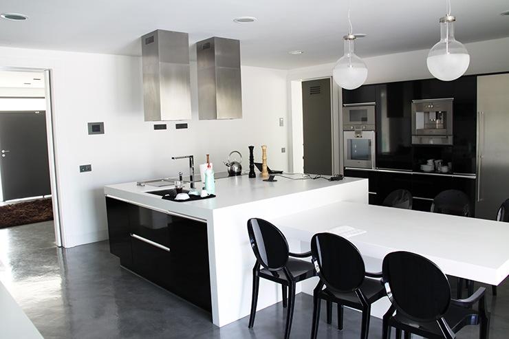 Casa de dise o minimalista en madrid casas modernas for Casa minimalista 10 x 20