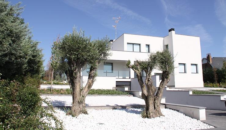Casa de dise o minimalista en madrid casas modernas for Casa y jardin tienda madrid