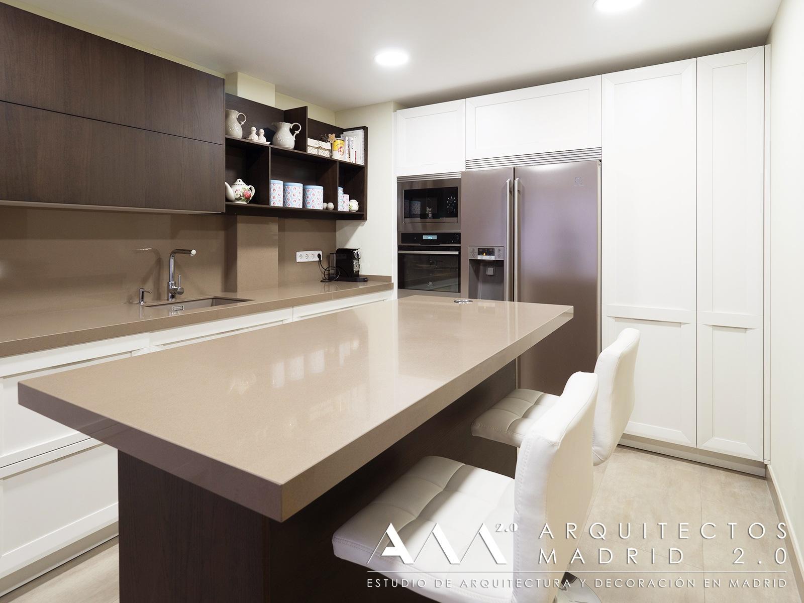 reforma-convertir-oficina-en-vivienda-arquitectos-madrid-11-cocina-isla