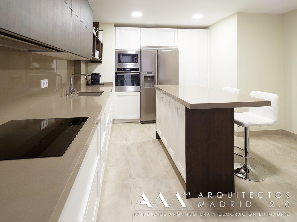 reforma-convertir-oficina-en-vivienda-arquitectos-madrid-12-cocina-isla