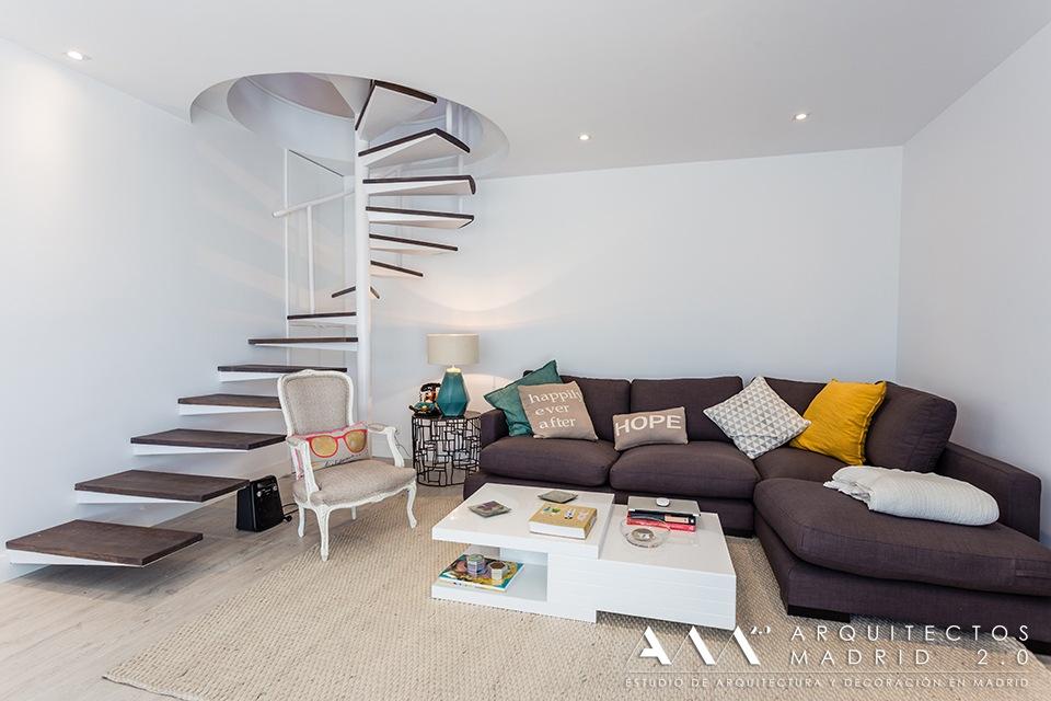 Reformas de viviendas en madrid obras realizadas for Escaleras de salon