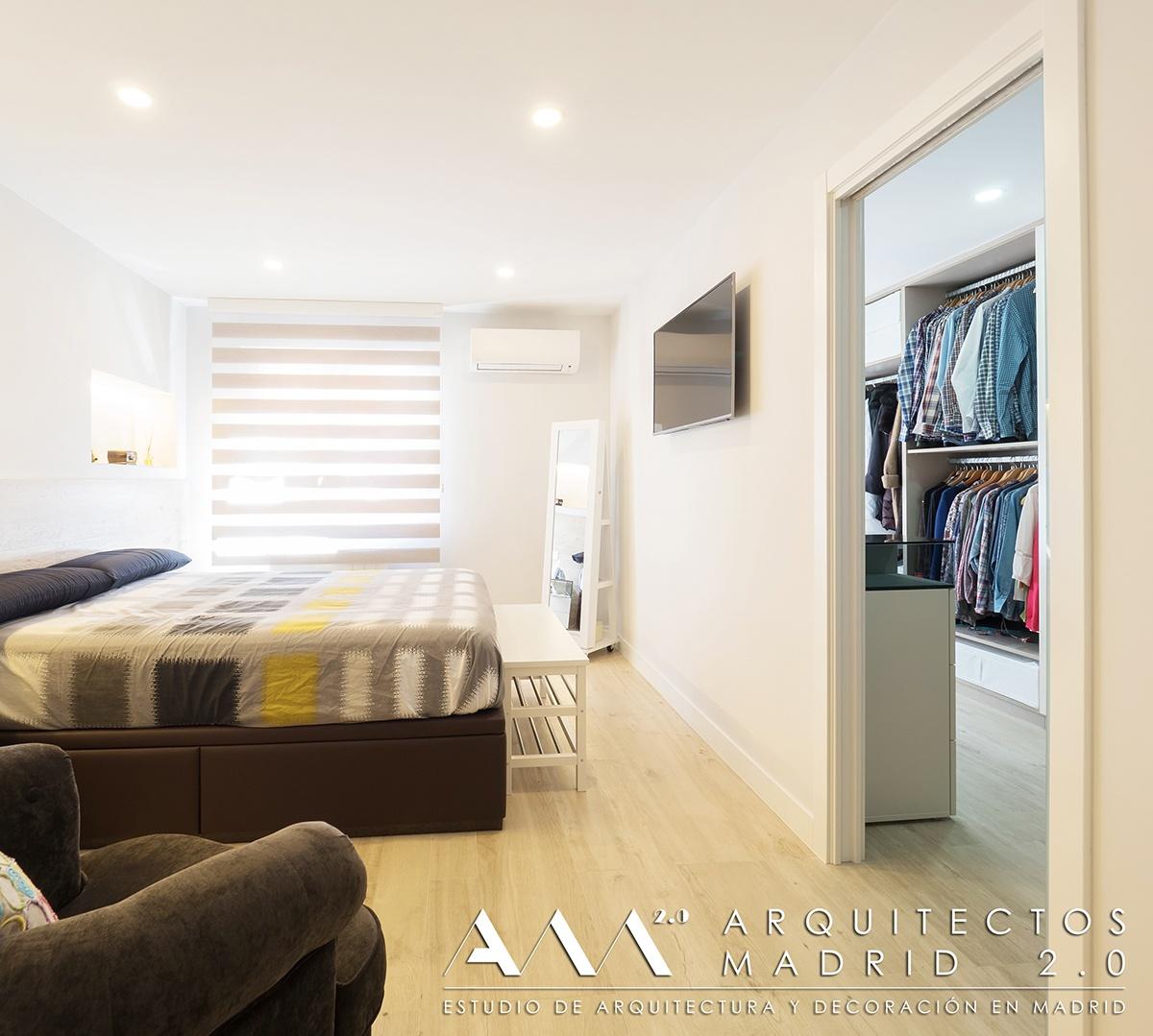 suelo-imitacion-madera-porcelanico-gres-reforma-vivienda-dormitorio-cabecero-01