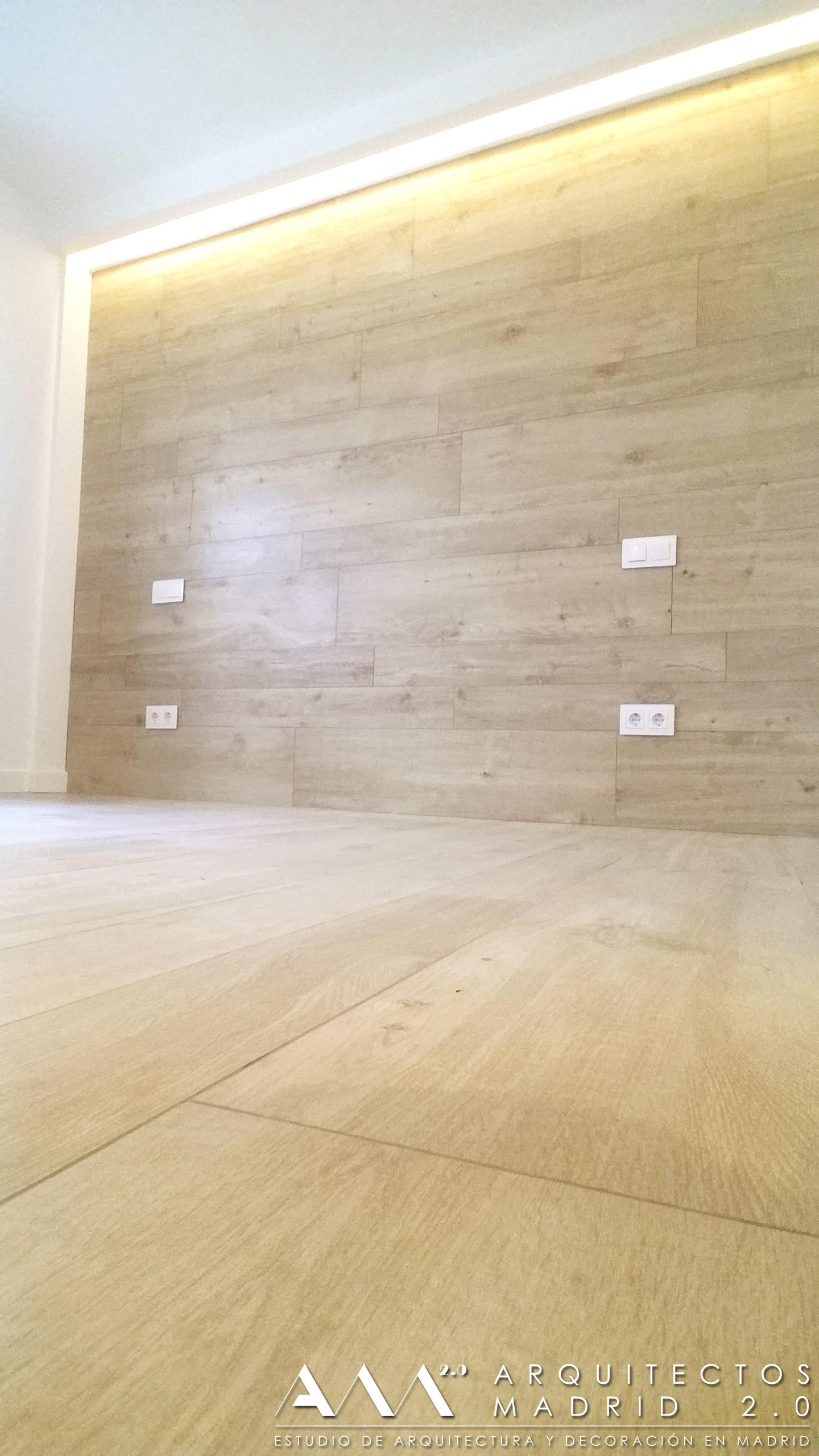 suelo-pared-ceramico-imitacion-madera-porcelanico