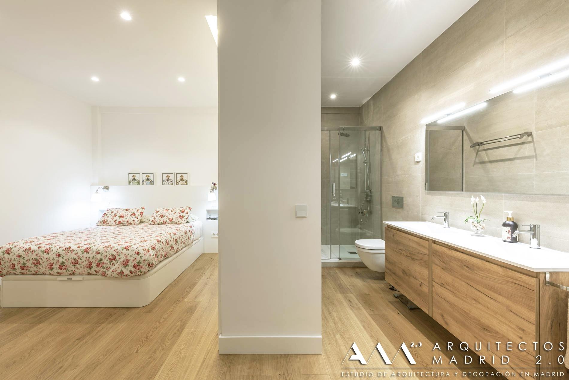 tarima-madera-natural-pavimento-continuo-entre-dormitorio-bano-sin-juntas