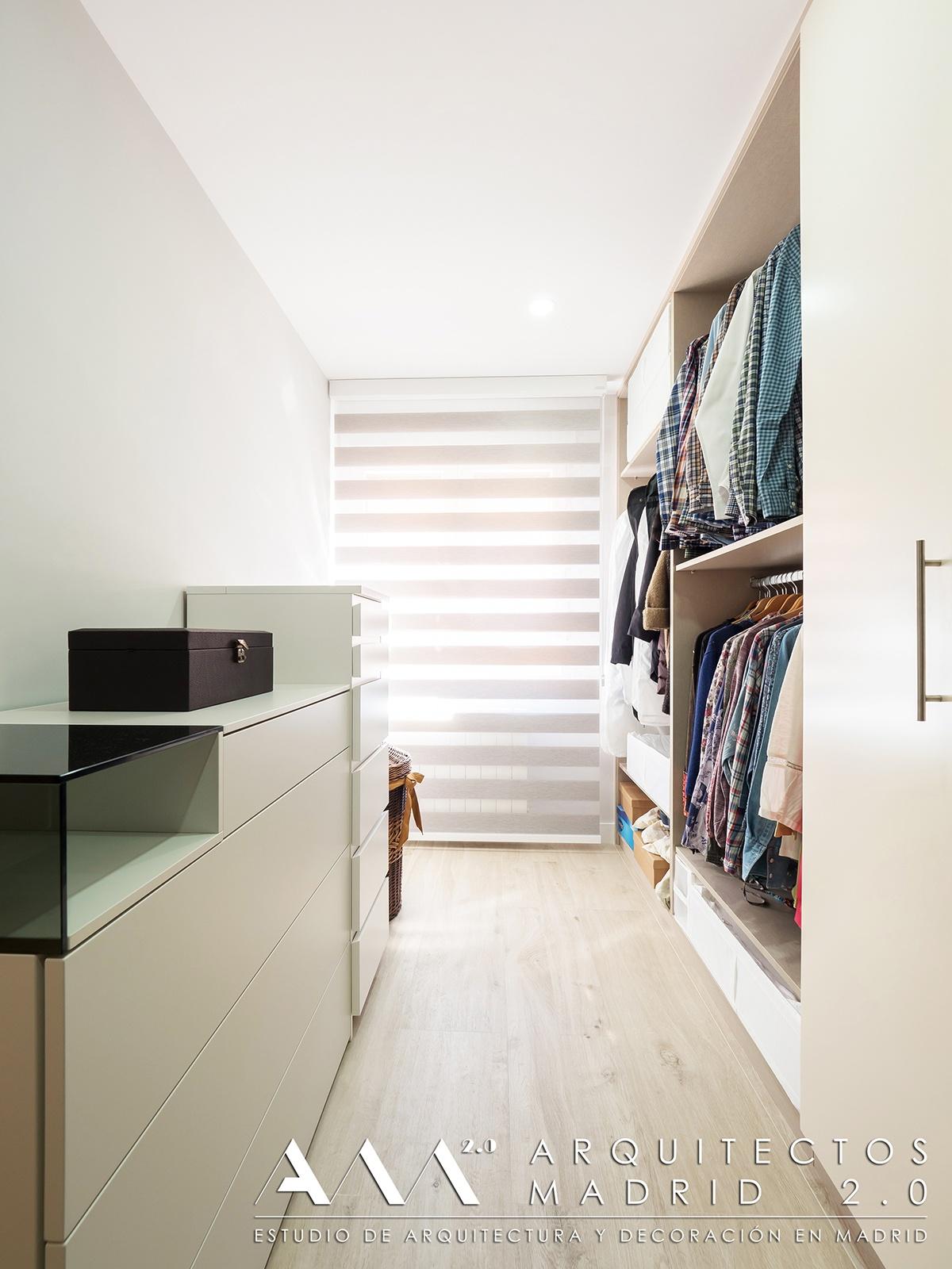 vestidor-suelo-imitacion-madera-porcelanico-gres-reforma-piso